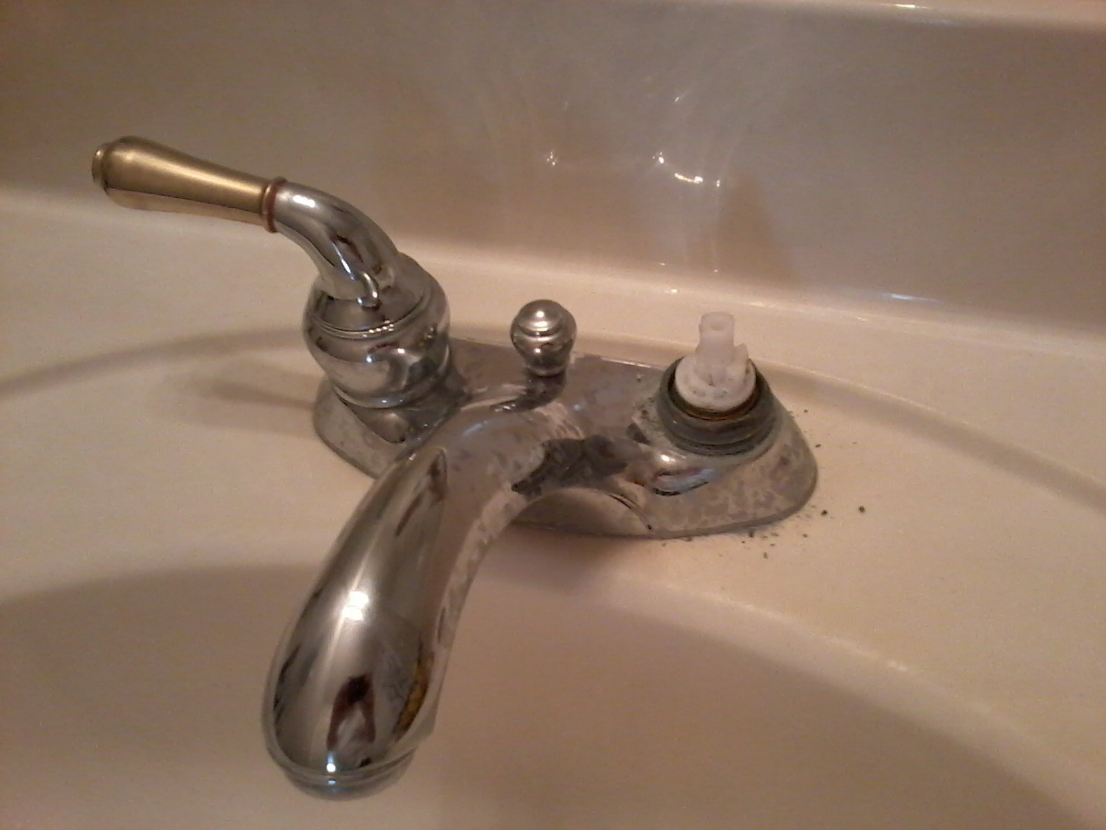 Bath faucet leaking... Some pics and question. Need help. (sink ...