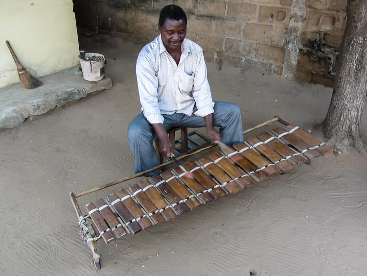 Тимбила – национальный инструмент Мозамбика.