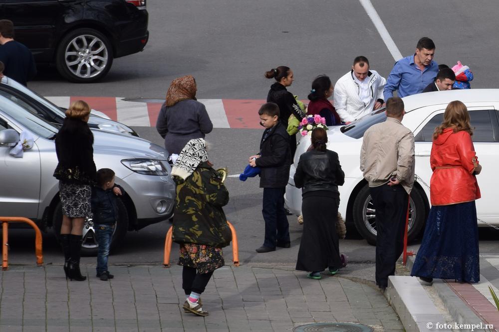 Попрошайки, цыгане и нищие на улицах города-курорта Сочи. Фотографии нищих в Сочи