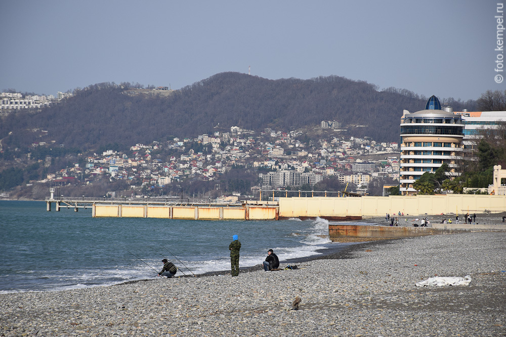 Как выглядит пляж в Сочи в январе фото