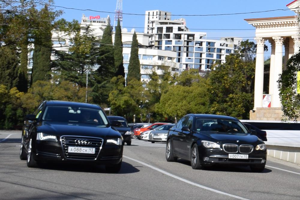 у007тк93 Автомобили Джеймса Бонда с номерными знаками 007 в Сочи