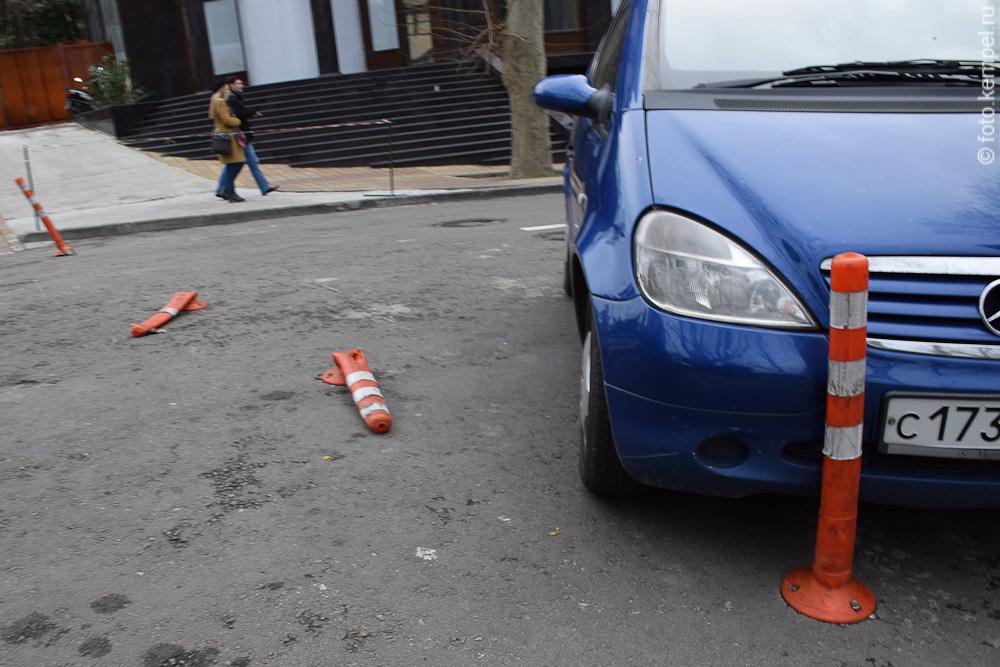 Как автомобилисты нарушают Правила дорожного движения в Сочи.