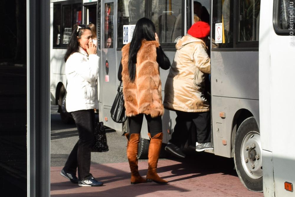 Почему девушки носят шубы на улицах Сочи? Фотографии сочинских модниц в шубах
