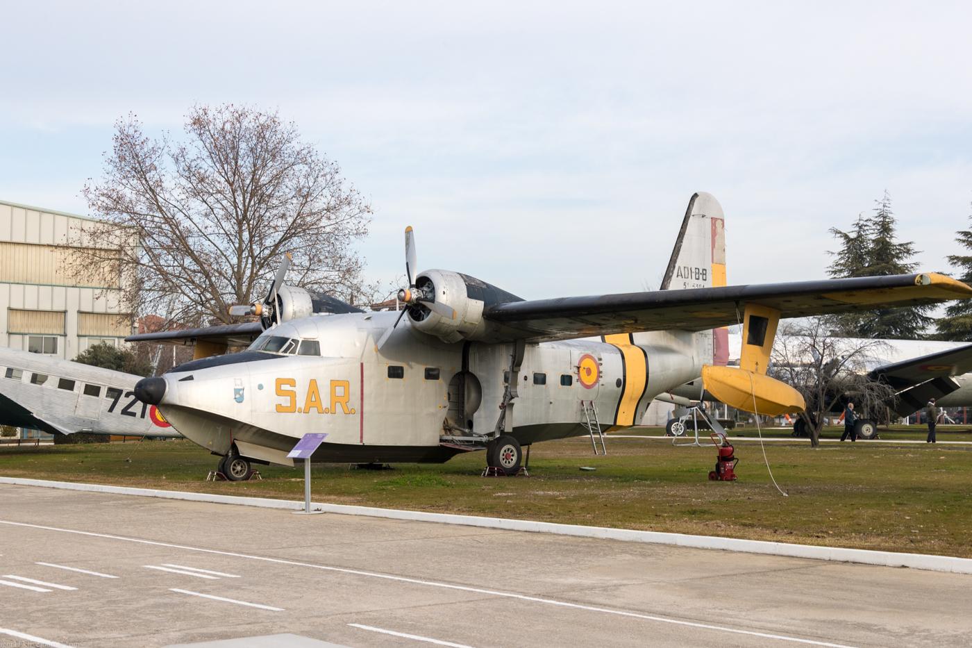 Museo del Aire: летающая лодка Grumman HU-16B Albatross (изначально SA-16B).