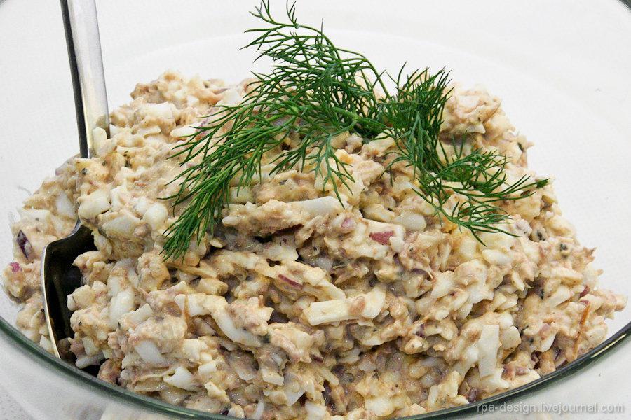 салат с сайрой рецепт фото пошагово