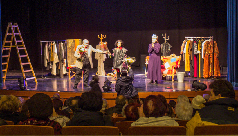 Jnulara_Teatro