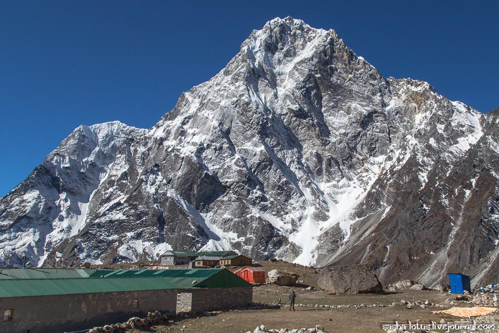 Треккинг к Эвересту. День 10: Дзонгла - Лобуче