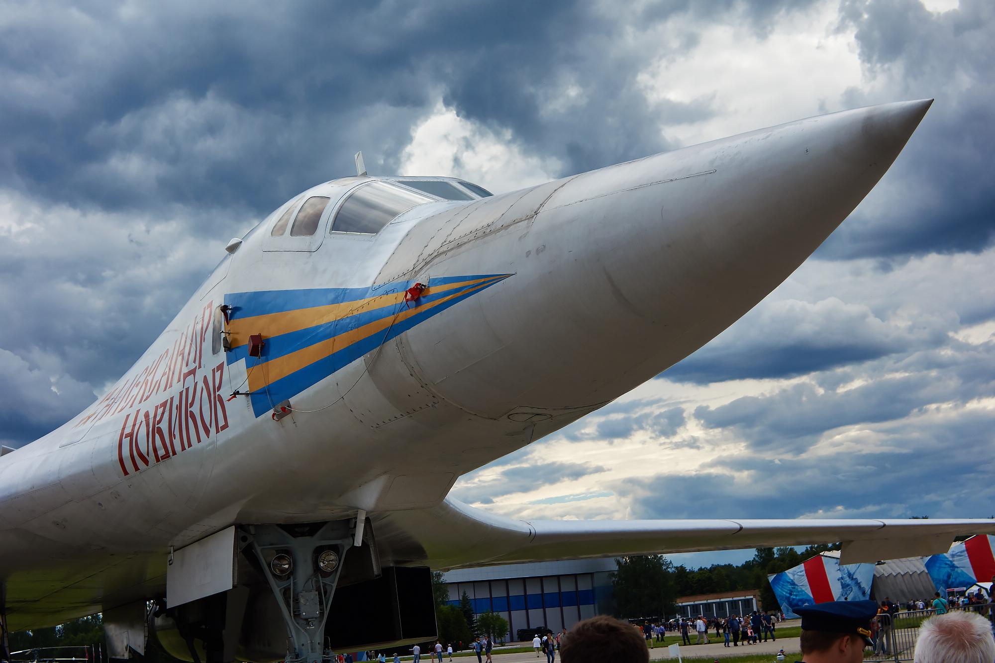 Ту-160,