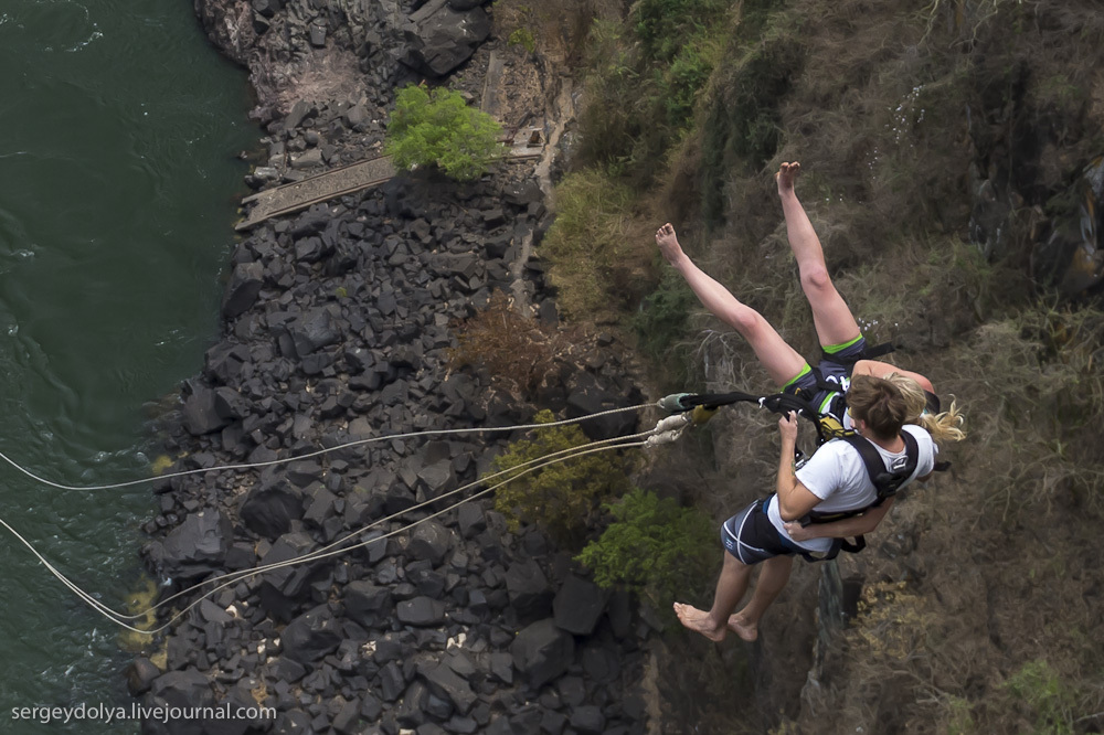 Прыжок на тарзанке в водопад Виктория и немного Замбии