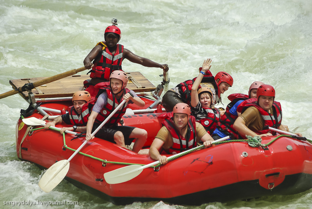 Самый сложный коммерческий рафтинг в мире на реке Замбези