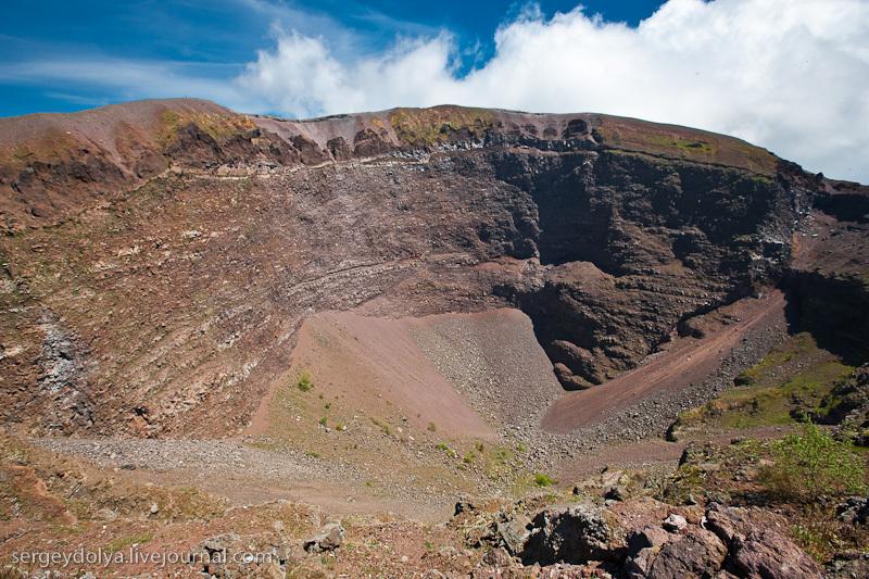 Я видел несколько кратеров, но этот на Везувии оказался самым неинтересным