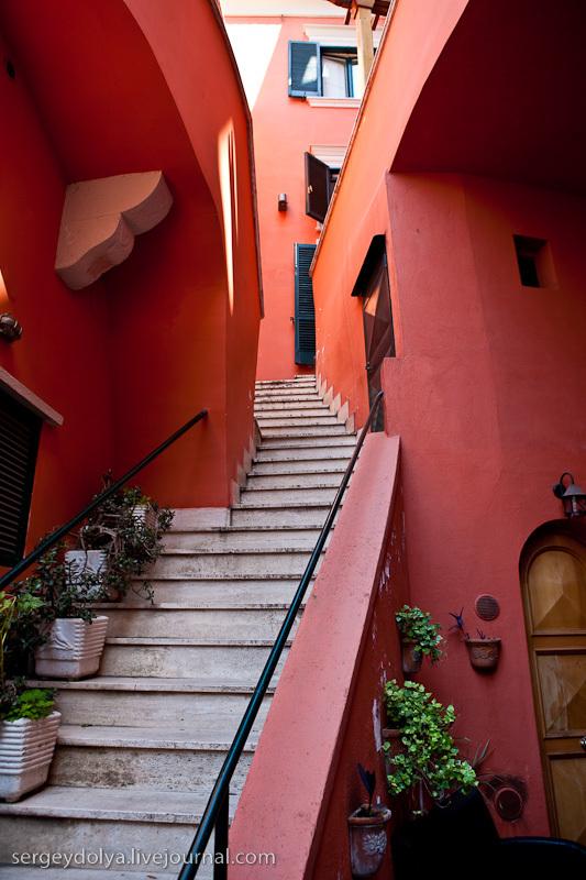 в Сорренто - небольшом городке, на противоположной от Неаполя стороне бухты