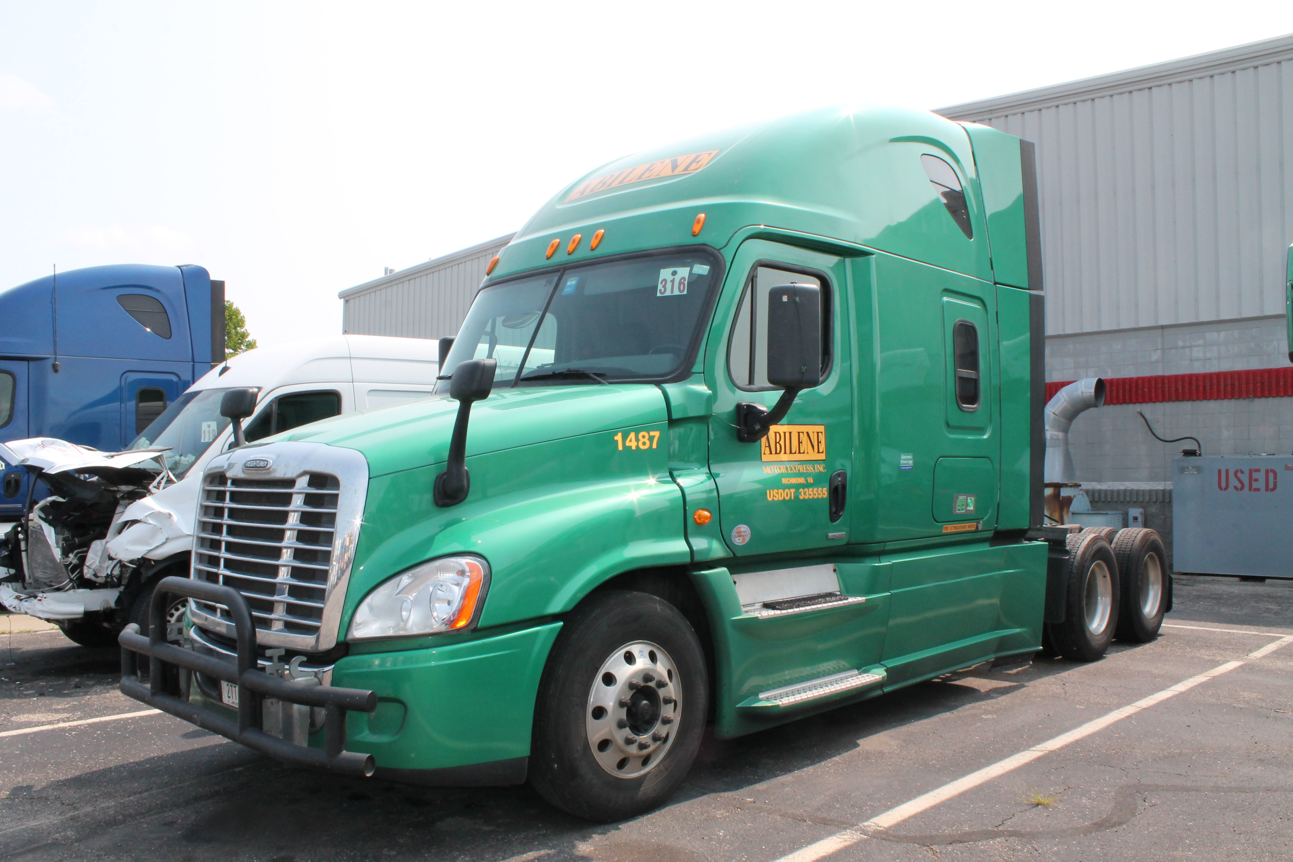 Freightliner Cascadia on I-95 near Beufort, SC in July, 2015
